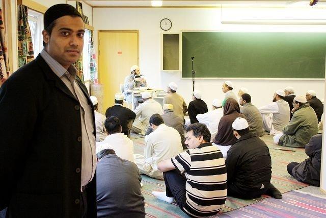 Tahir Salam håper det kan bli en løsning slik at Søndre Nordstrand Muslimske Senter fortsatt kan få være i paviljongen på Lofsrud skole.