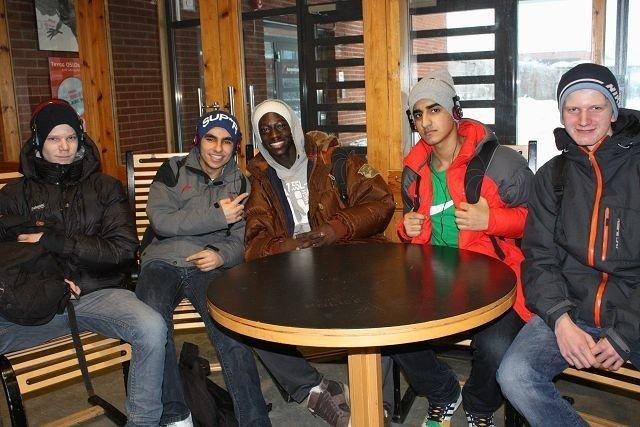 Sigurd Rosted, Khai Sedik, Jibril Boyang, Hassan Elaki og John Grinnby bestøkte Bjerke videregående skole på åpen dag.