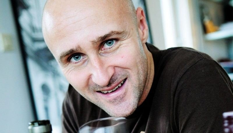 "EKSPERT: Ole Martin Alfsen er vinkelner og fagansvarlig for mat og drikke ved Kulinarisk Akademi. Ansvarlig for vinkelnerutdannelsen i Norge. Du ser ham som ekspert i TVNorges ""4-stjerners middag"" hver uke. (FOTO: Tore Sandberg)"