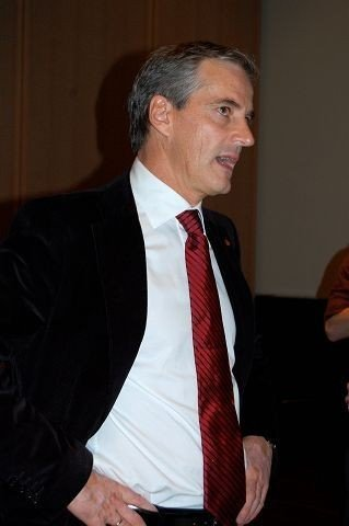 Utenriksminister Jonas Gahr Støre kommer til Sagene i morgen, blant annet for å støtte Skeid. ARKIVFOTO