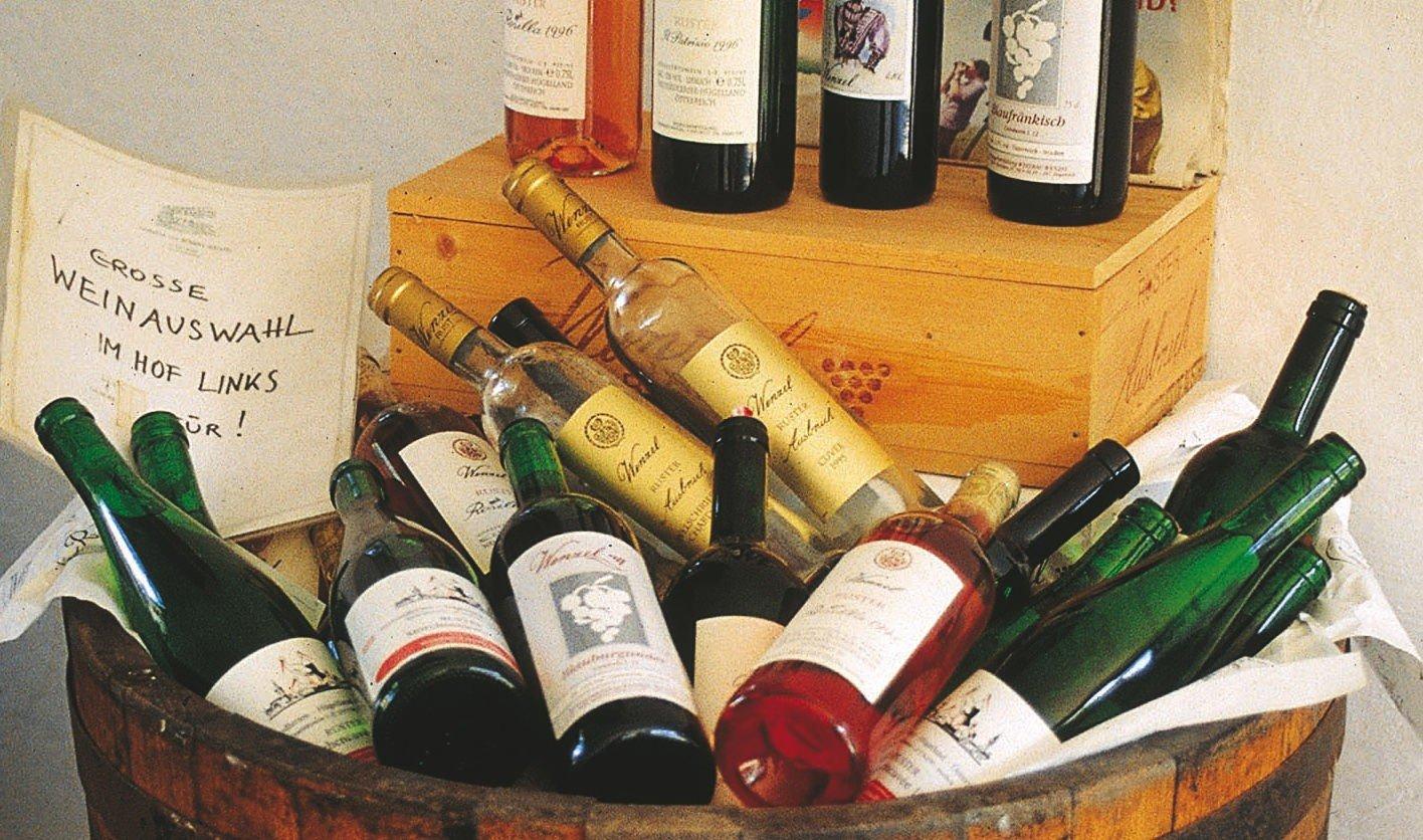 ANTON AUS TIROL: Nordmenn vil ha østerriksk vin. Her er det et gunstig klima for vindyrking, med varm vind fra øst om dagen og kjølige vinder fra fjellene om natten.