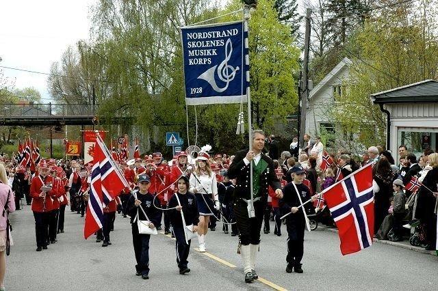 Nordstrandskolenes musikkorps: Først i fellestoget, fin musikk. Alle foto: Nina Schyberg Olsen
