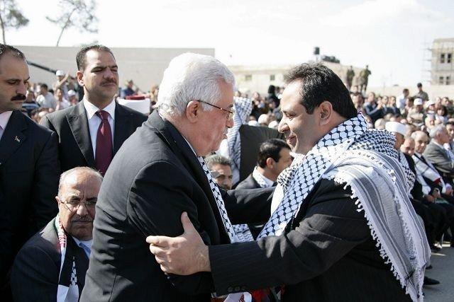 Aamir J. Sheikh er tildelt en utmerkelse fra president Mahmoud Abbas for sitt sterke engasjement for Palestina. Dette bildet er fra et tidligere møte mellom de to. Foto: Privat.