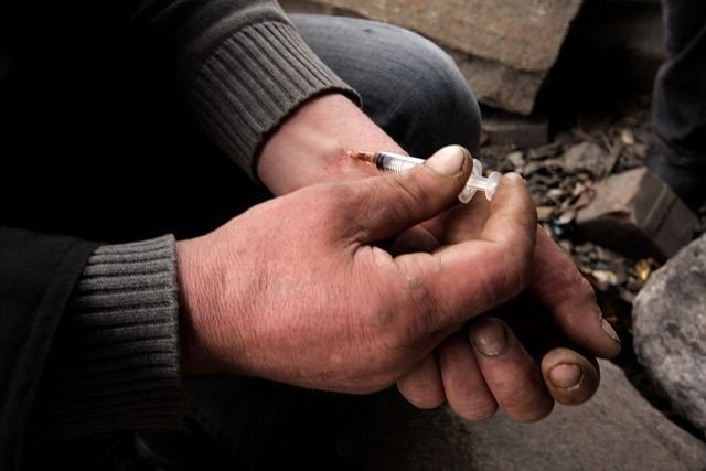 Stoltenbergutvalget går inn for at de tyngste brukerne skal kunne få heroin av sine leger. ILLUSTRASJONSFOTO