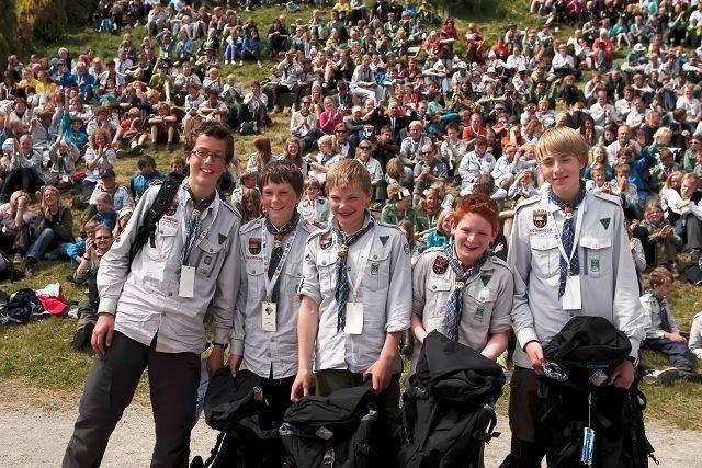 Bjørn (15) og Øystein (12) Skauli, Sivert Skiaker (13), Markus Woxholt (11) og Marius Moe (14) fra patruljen «Jerv», 7. Oslo speidergruppe. Foto: Leif Egil Hegdal