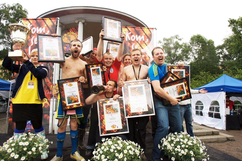 Det rant over av både tårer og champagne da laget sviddmat.no fra Oslo og Høvik vant årets Grill-NM i Birkelunden i Oslo.