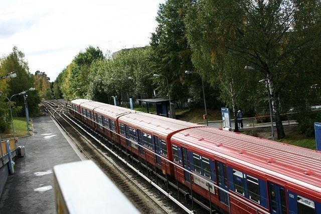 Reisende på linje 2 kan glede seg over at 7,5 minutters rute blir innført fra mandag. Banen vil imidlertid bare ha tre vogner i sommer. Arkivfoto.