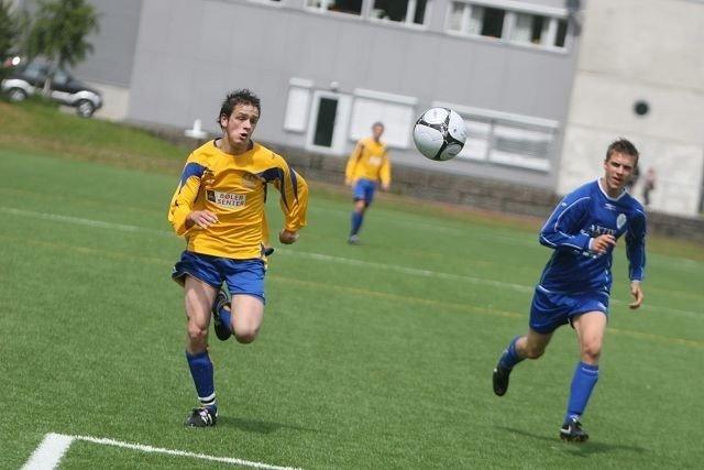 Bølers Joakim Borgen (venstre) scoret to av målene i 6-0 seieren mot Oppsal.