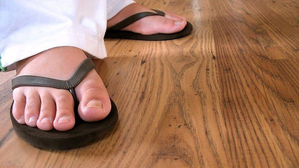 2b936ae4 Flip-flop , Sandaler   Disse ødelegger foten din