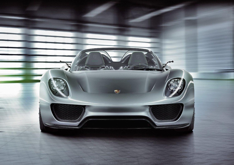 Kanskje selv Porsche-puristene kan akseptere 918 Spyder. KLIKK PÅ BILDET FOR Å SE FLERE BILDER.