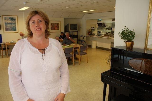 Ingelin Pedersen, bydelspolitiker fra SV, ønsker å slå sammen eldresenteret i Breigata og flytte de omlag 30 brukerne til Kampen og Vålerenga eldresenter. Men etter kuvendingen til bydelsutvalget er det foreløpig ikke flertall for en slik løsning.