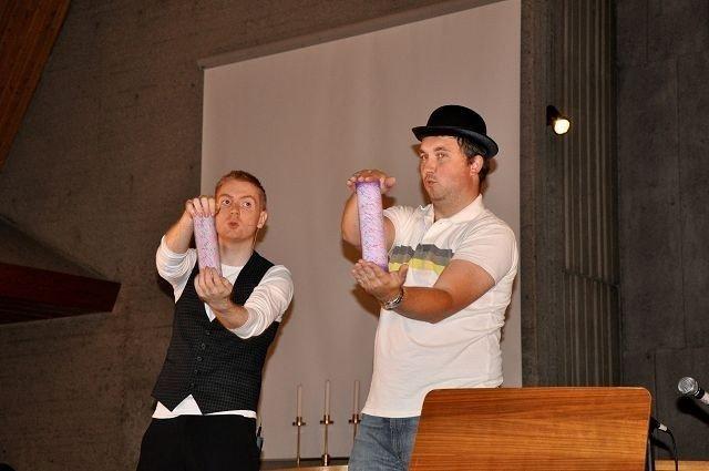 På Barnas dag i fjor fikk de besøk av Kula og Myggen fra KFUK-KFUM og Tryllekunstneren Holgar.