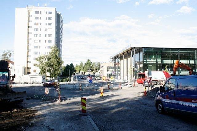 Krysset på Lambertseter bygges om til en rundkjøring i disse dager.