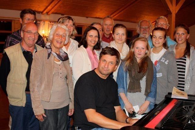 Sammen med kjente musikere kommer Oslo Gospel Choir til Nordstrand kirke søndag.