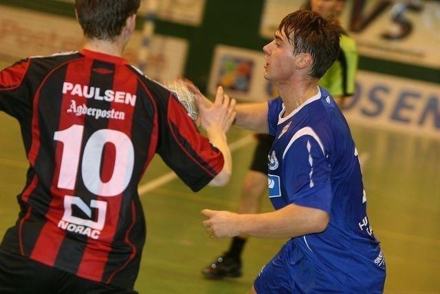 Landslagsuttatte Johannes Hippe scoret tre mål mot Sondre Paulsen og ØIF Arendal.