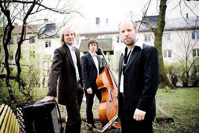 Poing åpner festivalen på Caféteatret fredag, sammen med Sven-Åke Johansson Trio, Peter O Hanna, Rob Young og Sachico M.