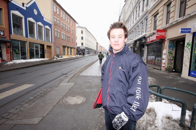 Svein Eilertsen (Frp) tror hans unge alder er en fordel i forhold til de etablerte politikerne.