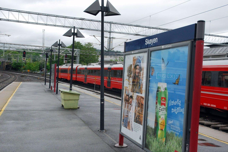 HIT, MEN IKKE LENGER: All togtrafikk mot byen stopper på Skøyen i pinsen og i sommer. Flytoget blir erstattet med buss på hele strekningen Drammen – Lillestrøm.
