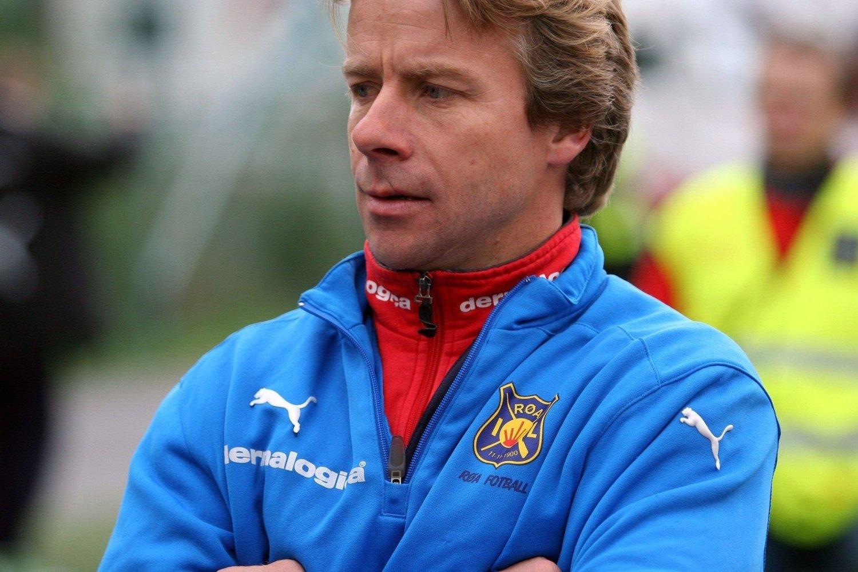 GULL I SIKTE: Geir Nordby og hans jenter i Røa er i kanonform. Søndag slo de Kattem 1-0 i Trondheim.