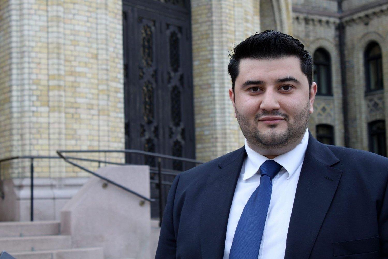 Mazyar Keshvari er sliten men fornøyd etter sin første dag som varamann for Siv Jensen på Stortinget.