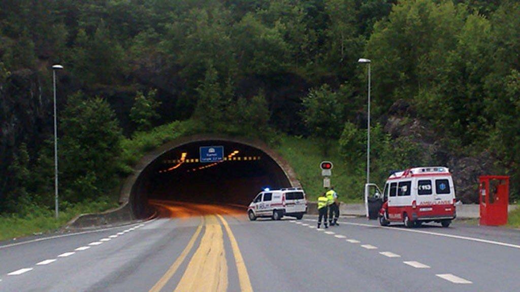 ULYKKE: Frontkollisjonen skjedde ved Kjørholttunnelen på E18.
