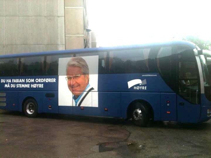 ULOVLIG: Høyres valgkampbuss sto ulovlig parkert i Groruddalen. Det ble fort oppdaget i Arbeiderparteits bastion.