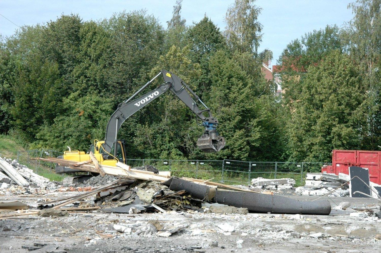 REVET: Det gamle næringsbygget i Treskeveien 31 er jevnet med jorda.