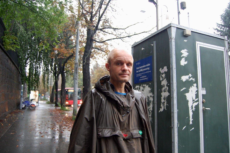 Harald August Nissen fra Miljøpartiet De Grønne liker dårlig de høye målingene av luftforurensning i Bygdøy Allé og ønsker å finne permanente løsninger på den store trafikken i området.