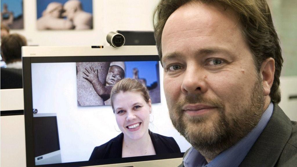 NÆRING I VEKST: ¿ Interaktivitet og brukeropplevelser kan bli vår nye olje, sier Marte Grevsgard i Norsk Designråd. Her sammen med en av de fremste suksesshistoriene på dette feltet i Norge: Snorre Kjesbu i Cisco, tidligere Tandberg, og telepresencesystemet EX90