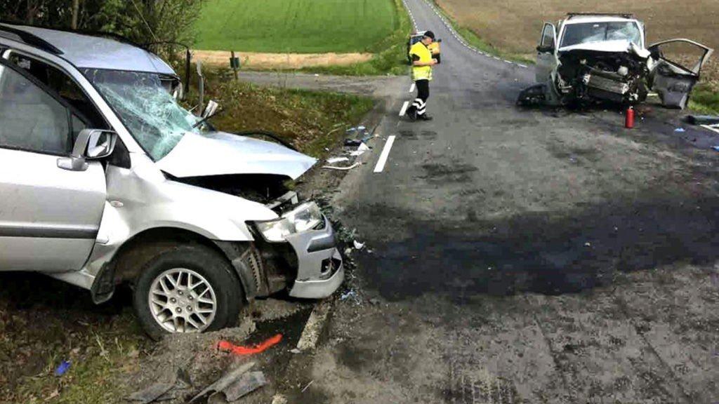 En 63 år gammel mann fra Eidsvoll mistet livet etter denne møteulykken på Vestsidavegen mellom Brårud og Vormsund i Nes mandag morgen.