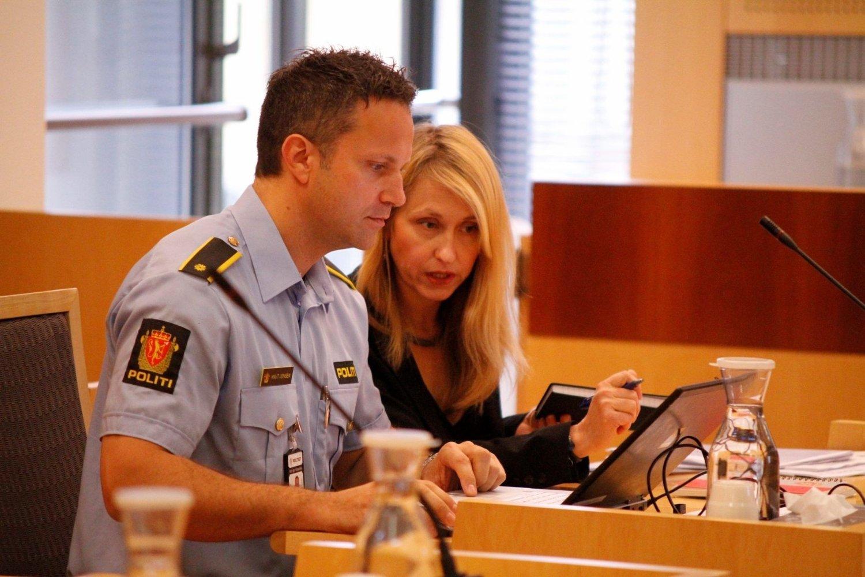 FIKK MEDHOLD: Politiet, her ved politiadvokat Cecilie Gulnes og etterforskningsleder Knut Jensen, fikk medhold av tingretten i begjæringen om fire nye uker i varetekt for de to siktede i Sigrid-saken.