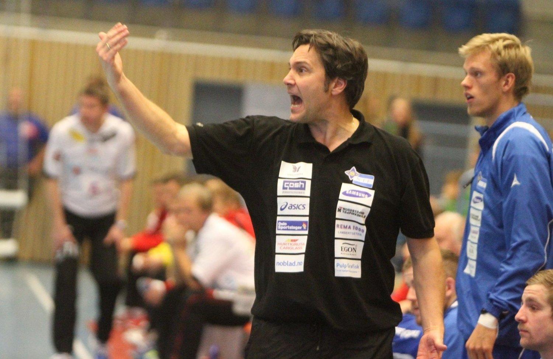 SUKSESSTRENER: Frode Scheie har ledet BSK/NIFs håndballherrer til fem strake seiere i Postenligaen.