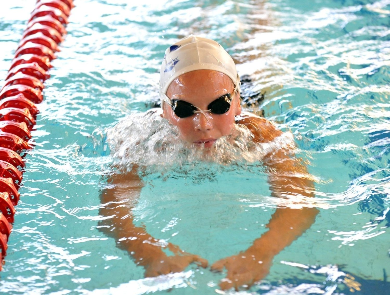 Marte Løvberg er en av talentene som Lambertseter Svømmeklubb har på gang.
