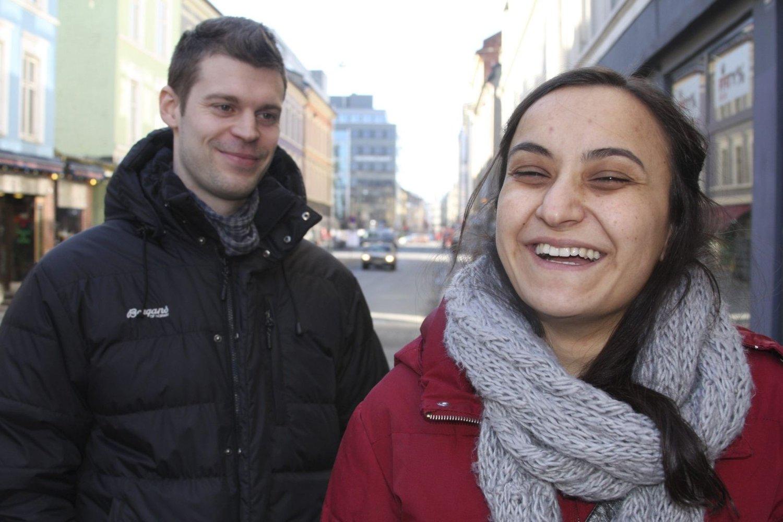 HUMOR: De blir anklagd for å være humørløse fordi de sier klart, høyt og tydelig nei til OL i Oslo. Men de ler likevel. FOTO: JULIE MESSEL