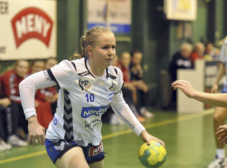 PÅ GANG: Tina Magnus har fått mer tillit på høyrekanten til NIF denne sesongen, og drømmer om på sikt å spille med flagget på brystet.