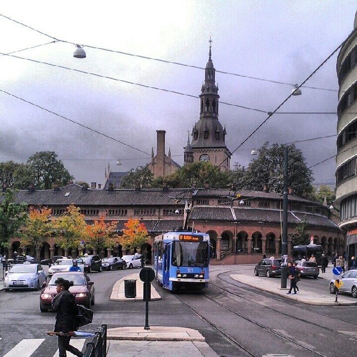 STENGT ETTER TRUENDE BESØK: Gjestene i den nattåpne Oslo domkirke fikk seg en støkk.