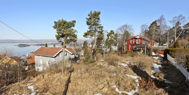 SOLVEIEN 12B: Mange hadde lyst til å bygge drømmehuset på denne tomten. Etter over 50 henvendelser ble prislappen på 7,35 millioner kroner.