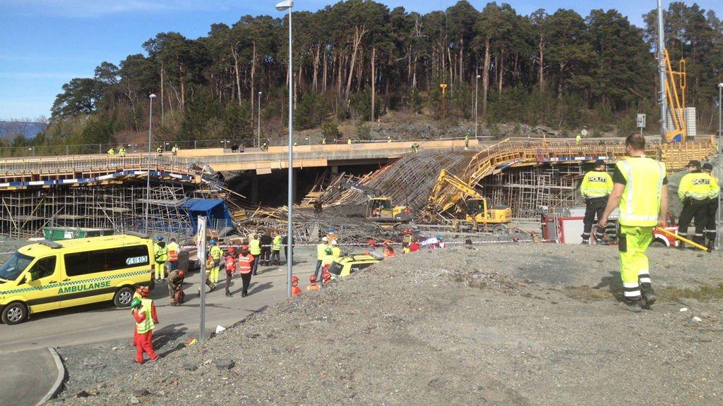 En bro ved IKEA i Trondheim kollapset onsdag. En bil befant seg under, og 6 personer er foreløpig brakt til sykehus
