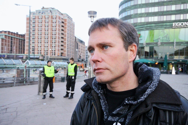 ULOVLIG Å SOVE UTE: Arild Knutsen i Foreningen for human narkotikapolitikk mener gårsdagens bystyrevedtak er en tragedie.