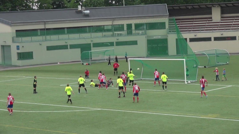 Faisal Dahir scorer Lyns andre i kampen mot FK Tønsberg 22. juni.