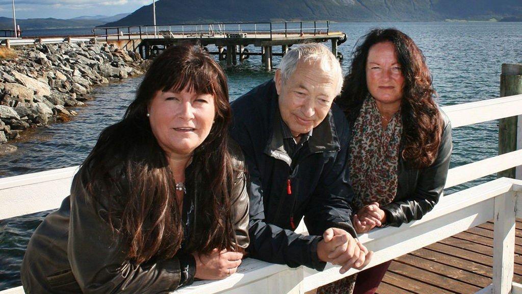 TOMT PÅ KAIA: Ann Margareth Bergheim, Atle Olsen og Mette Henriksen sier hurtigbåtkuttet er respektløst ovenfor folk i distriktene, og gjør det håpløst for pendlerne. Foto: Torgeir Bråthen