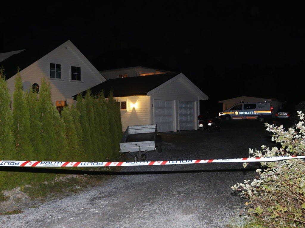 Hokksund: Gutten som ble påført stikkskader på en fest i Hokksund lørdag, døde søndag av skadene. En 18-åring er pågrepet og siktet i saken. Foto: Terje Bendiksby / NTB scanpix
