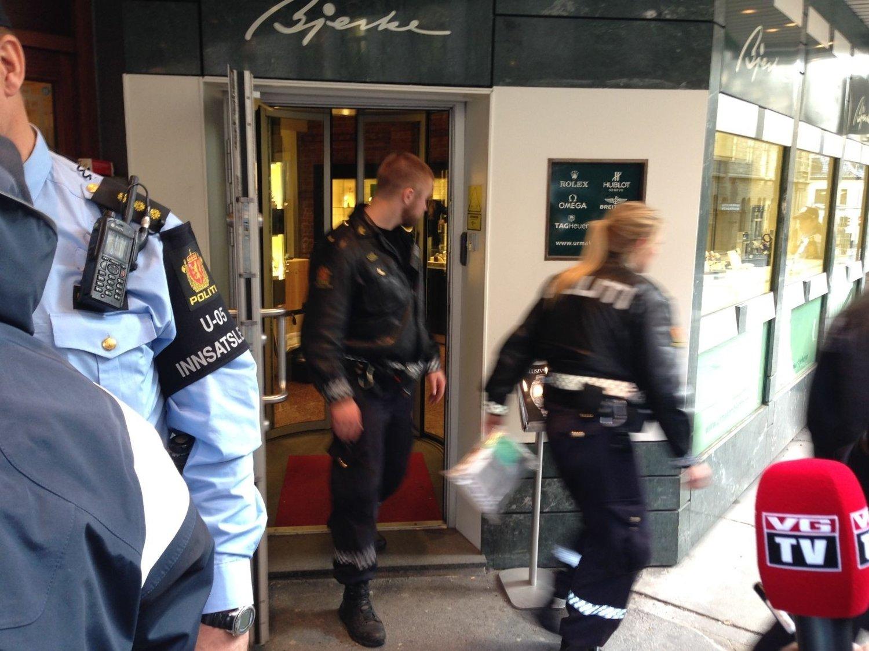 RANET: Urmaker Bjerke i Prinsens gate ble ranet tirsdag formiddag.