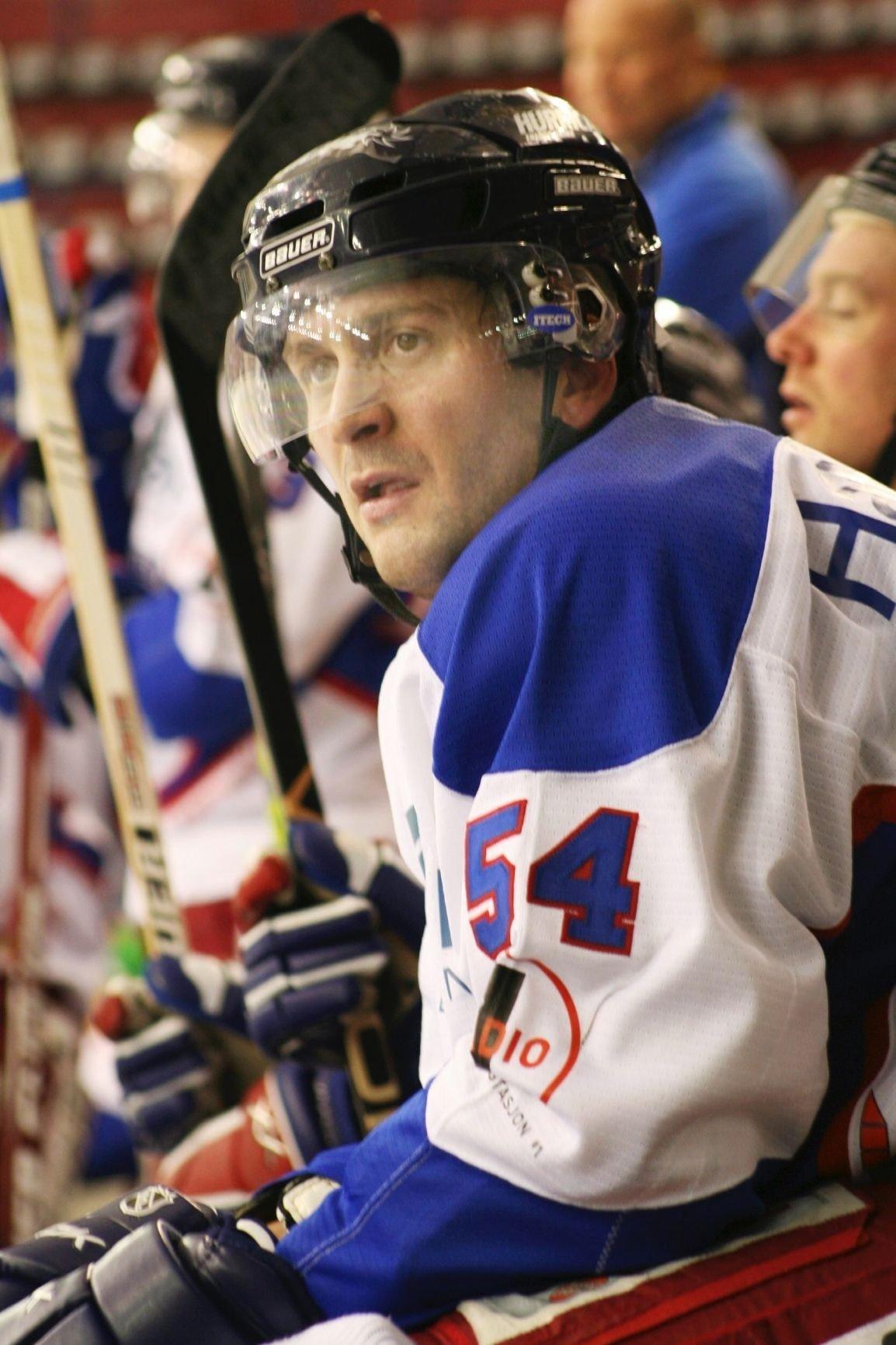 Anders Myrvold startet hockeykarrieren i Furuset. Han har også spilt i NHL-klubbene Colorado Avalanche, Boston Bruins, New York Islanders og Detroit Red Wings.