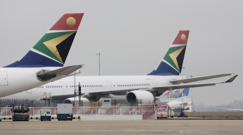 FUNNET DØD: En mann ble lørdag funnet omkommet i hjulbrønnen på et fly tilhørende South African Airways (Arkivbilde).