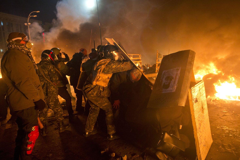 Det var harde sammenstøt i Kiev, tirsdag.