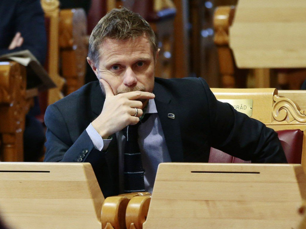 MOTSTAND: Helseminister Bent Høie får lite støtte for forslaget om reservasjonsrett for fastleger i abortsaker, men han tror selv at folk vil bli mer positive etter hvert.