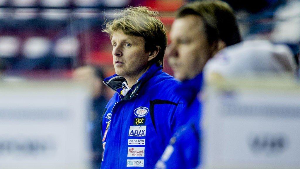 - HAN ER VELDIG USKYLDIG: Espen «Shampo» Knutsen forsvarer dopingmistenkte Nicklas Bäckström.