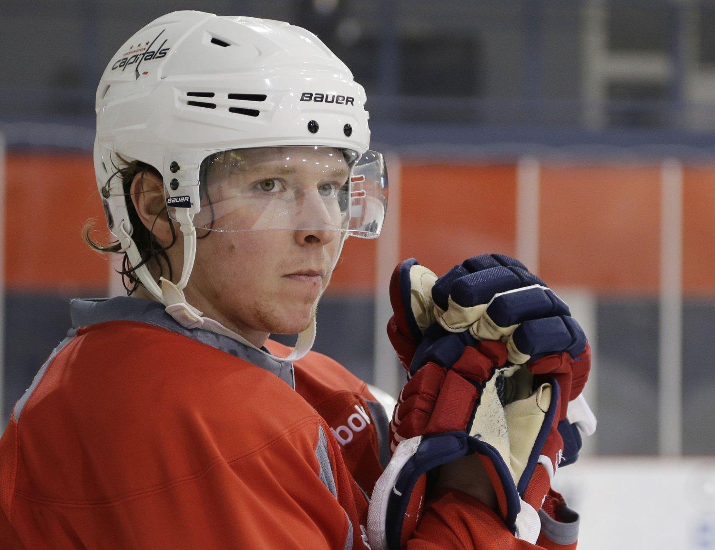 TILBAKE I TRENING: Tirsdag var den dopingtatte svenske ishockeyspilleren Nicklas Bäckström tilbake på trening for Washington Capitals.