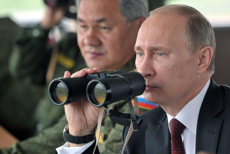 Russlands president Vladimir Putin ber nasjonalforsamlingen godkjenne bruk av militærmakt mot Ukraina, melder Kreml.